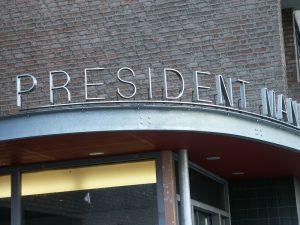RVS gevelbelettering: Gevelreclame Mandelahof