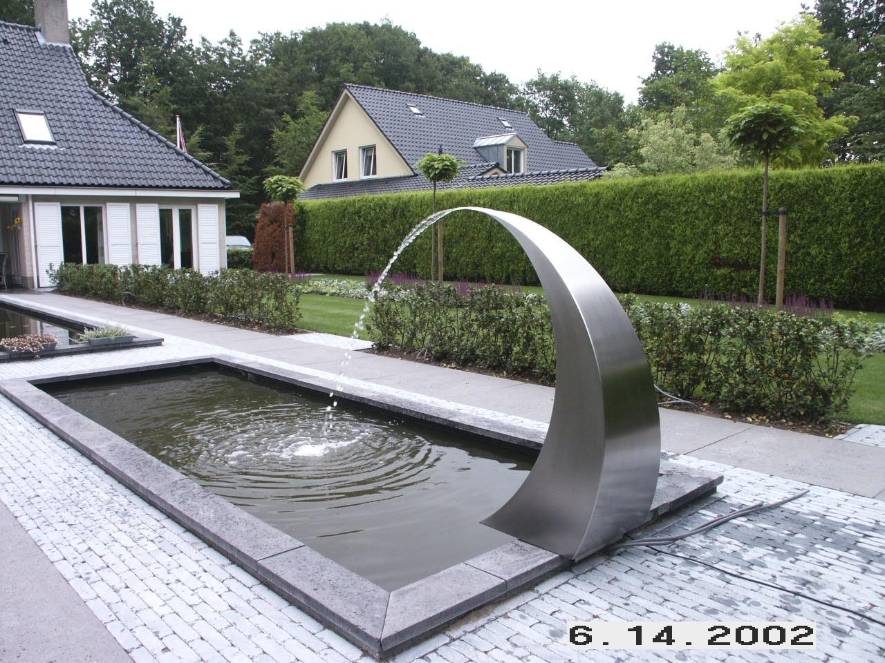 Fontein tusk groot 120 cm gardinox bv for Waterpartij in de tuin